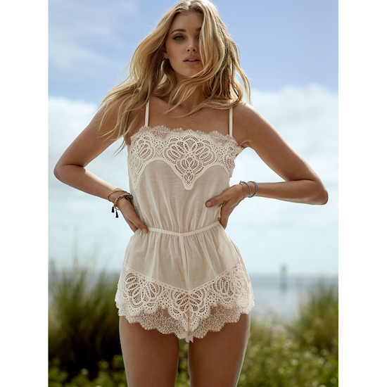 VICTORIA\'S SECRET Coconut White NEW! Crochet Lace Romper Outlet Online